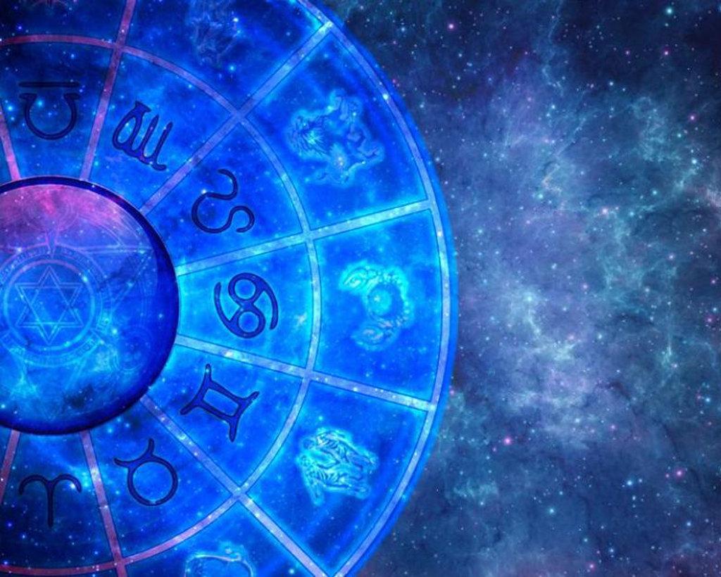 Чем помогает личный гороскоп по дате рождения?